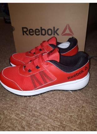 Красные кроссовки оригинал reebok кожа