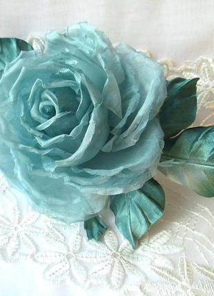 Брошь-роза мятная. цветы из шелка