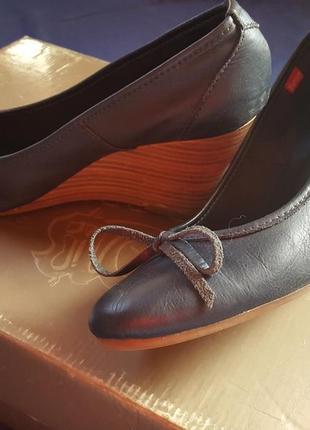 Туфли от esprit натуральная кожа