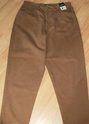 Сток. джинсы universal с высокой посадкой. 18 размер