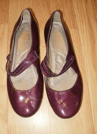 Кожаные (лак) туфельки. кларкс актив эир. размер 4