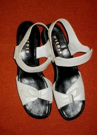 Nicole кожаные босоножки большой размер. стелька 30,5. обувь б...