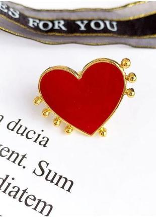 Стильное кольцо красное сердце