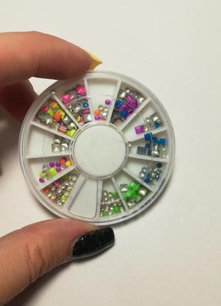 #розвантажуюсь заклёпки для декора ногтей