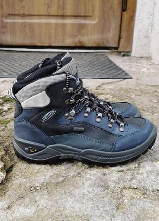 Кожаные трекинговые ботинки lowa renegade gtx mid 37 р. оригинал