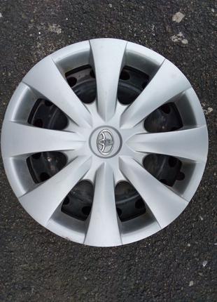 Оригинальные стальные диски Toyota Corolla R15 б/у с колпаками