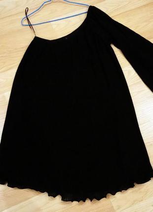 Платье от некст. на одно плечо.