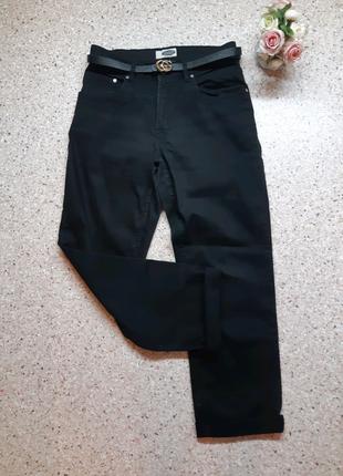 Черные джинсы мом