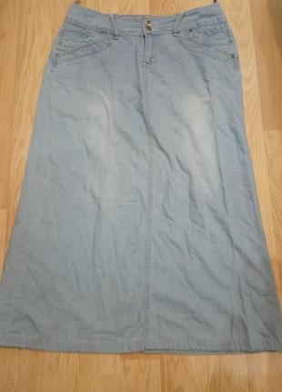 Джинсовая юбка на шикарные формы