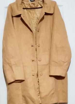 Пальто песочного цвета. демисезон.