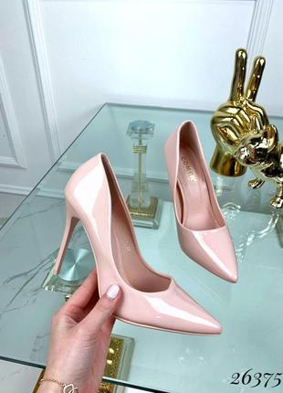 Пудровые лаковые туфли лодочки на шпильке, лакированные туфли ...