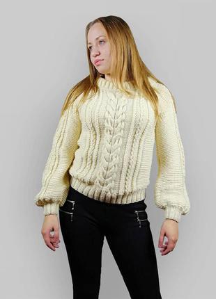 Короткий вязаный свитер