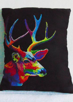 Подушка ′радужные животные - олень′ ручная вышивка