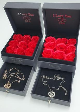 Подарочная коробка Шкатулка с розами из мыла и кулон I Love You
