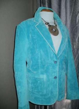 Пиджак замш. ярко голубой. состояние супер