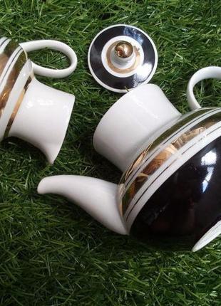 Чайный севиз (чайник заварной и сливочник) ссср фарфоровый вер...