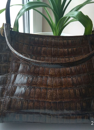 Кожаная сумка из крокодильей кожи
