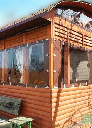 Гибкие окна для веранды из деревянного бруса