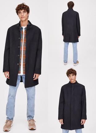 Стильное пальто pull& bear черного цвета