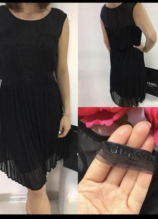 Guess чёрное нарядное платье плиссе s размер вечернее