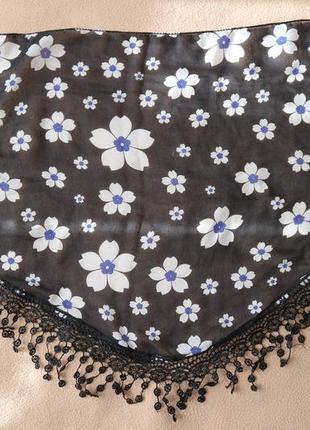 Легкий шейный цветастый платок