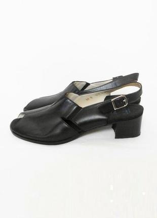Кожаные черные классические босоножки 🌿