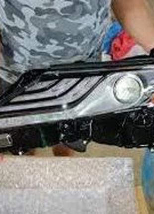 Передние Фары Toyota Camry 2018 LED США 81110-06D70
