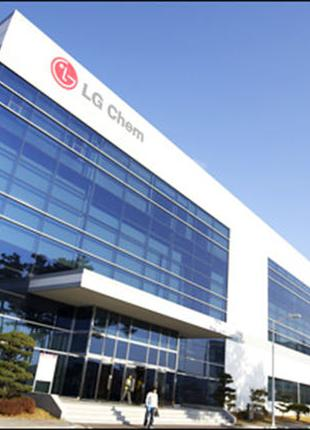Мужчины, женщины, сем.пары на LG завод аккумуляторов