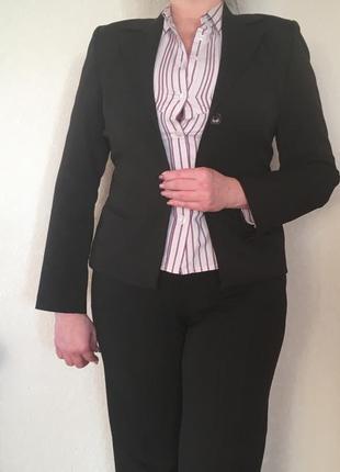 Женский деловой костюм с брюками bgn