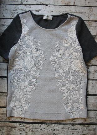 Стильная футболка из плотного стрейчевого трикотажа