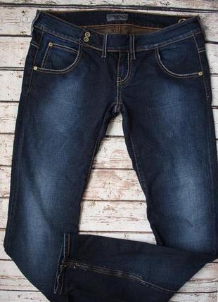 Отличные джинсы слим с низкой посадкой р.31