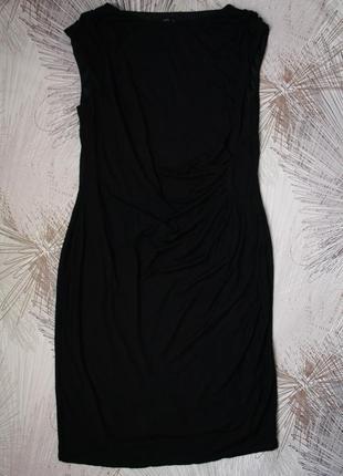 Отличное трикотажное платье  на подкладке с драпировкой на тал...
