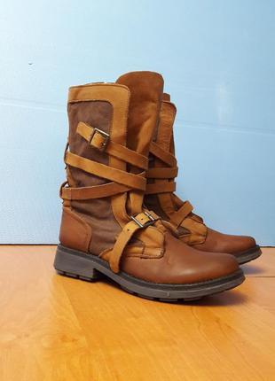 Крутые кожаные ботинки с ремешками