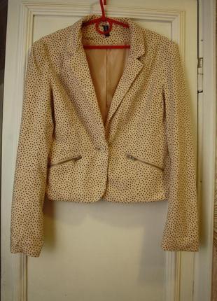 Укороченый трикотажный пиджак