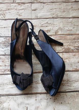 Нарядные текстильные туфли босоножки