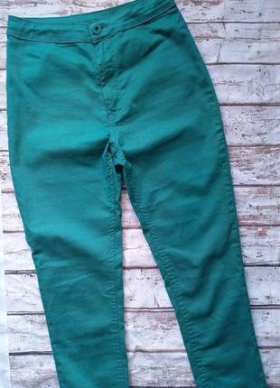 Изумрудные тонкие джинсы стрейч скинни