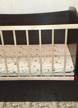 Кроватка-трансформер со столиком и комодом