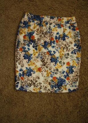 Отличная юбка в цветочный принт