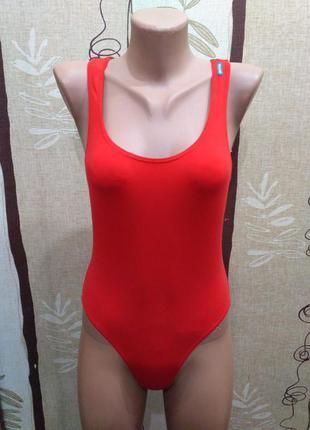Decathlon красный сдельный, слитный купальник