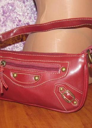 Сумочка мини / сумка / клатч красная с клепками