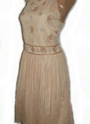 Платье вечернее праздничное расшито стеклярусом, бисером и пае...
