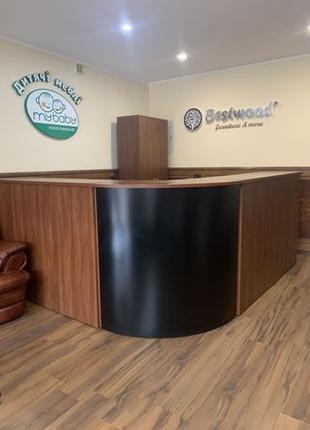 Продам РЕСЕПШН, столы, тумбы и шкаф. Стойка администратора.