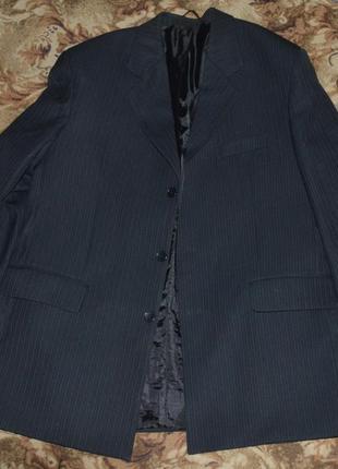 Фирменный жакет пиджак мужской черный в тонкую темно-синюю пол...