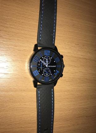 Часы наручные кварцевые мужские sanwood с прорезиненым ремешком