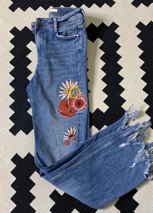 Джисы zara trafaluc, джинсы с вышивкой, джинсы зара