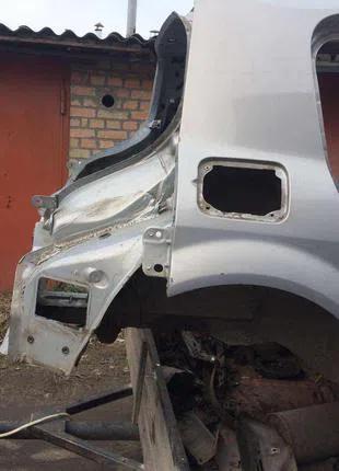 Б/у задняя правая четверть, крыло Renault Megane 2, хетчбек