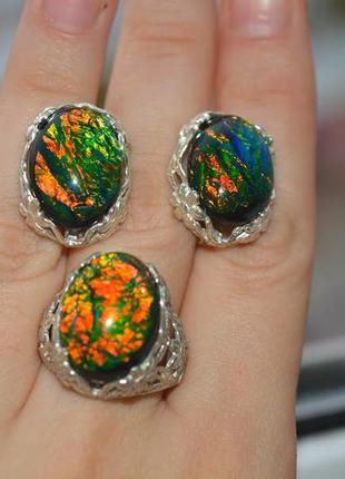 Серебряный набор кольцо и серьги с оралом