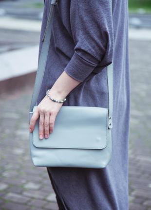 Кожаная сумка кросс-боди «cross gray» женская серая (25x19 см)...