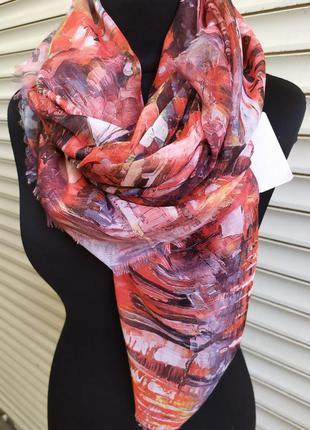 Большой легкий платок красный в наличии