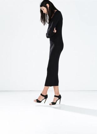 Черное платье миди ниже колена